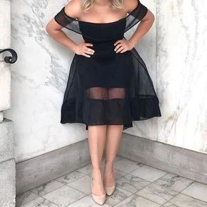 Dresses & Skirts - Chic Cocktail Dress❣️